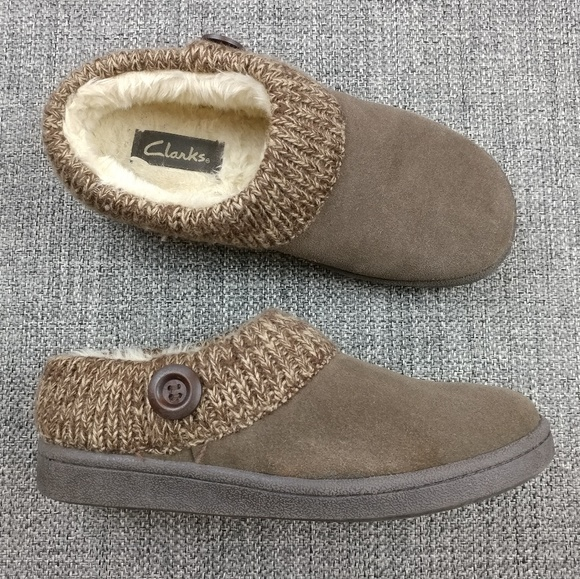 7576ec399a2 Clarks Shoes | Augusta Suede Slippers Size 8 | Poshmark